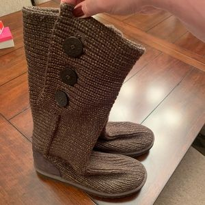 Ugg Brown Cardy 3 button Boots. Size 11
